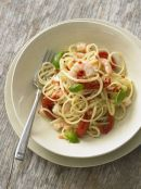 Linguine with chilli prawns and tomatoes