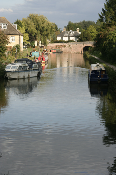 Canal_at_Hungerford2