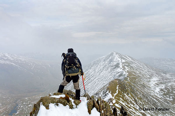 01M-9117 Enjoying the View from Swrirral Edge Helvellyn Lake District Cumbria UK