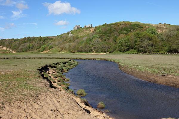 04D-8358 Pennard Pill and Pennard Castle Three Cliffs Bay Gower Wales UK