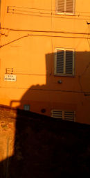 Portella shadows