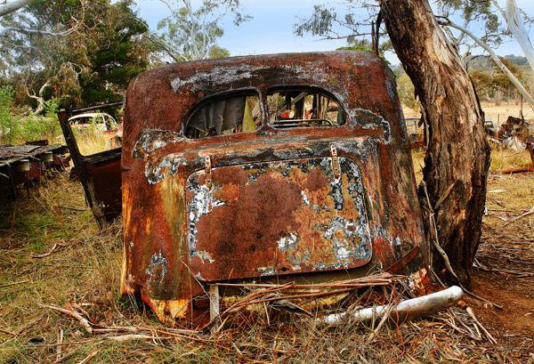 Rusty-Old-Car: ... Rusty