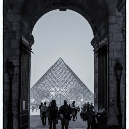 Louvre 9